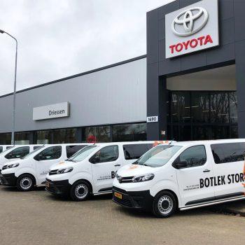 Belettering wagenpark - Driessen Toyota Botlek Stores