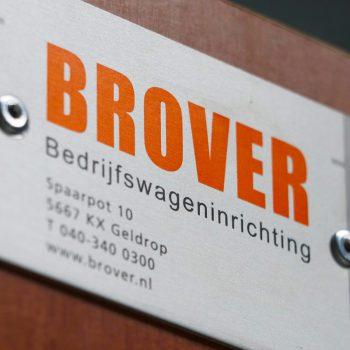 Naam- en logoplaatje - Brover